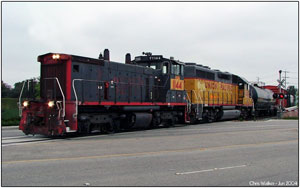UPY 1144 bringing the Marlboro Local across the grade at Manchester Ave - June 16th 2004