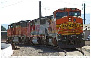 BNSF 545 tied down with two GP60M's in between running shuttle trains of container cars between the harbor and Esperanza.