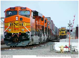 BNSF 7671 using a leg of the Watson Wye to reverse the train back east to PHL's Pier B Yard.